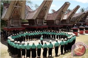 (Photo: Baile Ma'Badong - Antara News)
